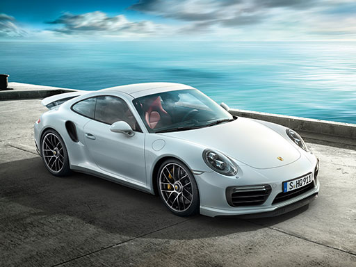 Kraft der Präsenz. Der 911 Turbo.